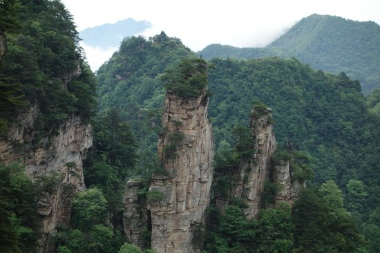 Wulingyuan Scenic and Historic Interest Area of Zhangjiajie: cable ride up the mountain