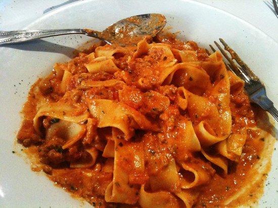 Mediterraneo: Pasta with meat ragu