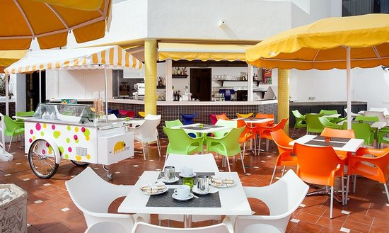 Paraiso del Sol Apartments : Pool Bar
