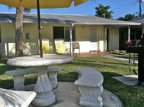 Conclare Aman's Beach Resort: Looking toward room #15.
