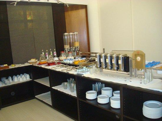 Hotel Executive : Colazione: succhi, frutta, marmellata