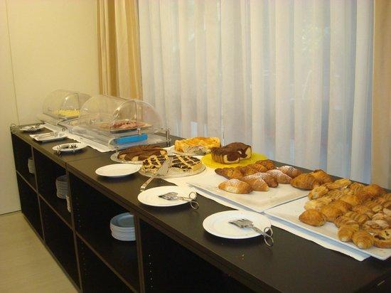 Hotel Executive : Colazione: dolce e salato