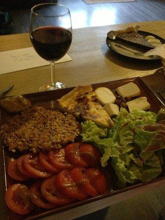 Au Poirier de la Perdrix : Plateau repas végétarien