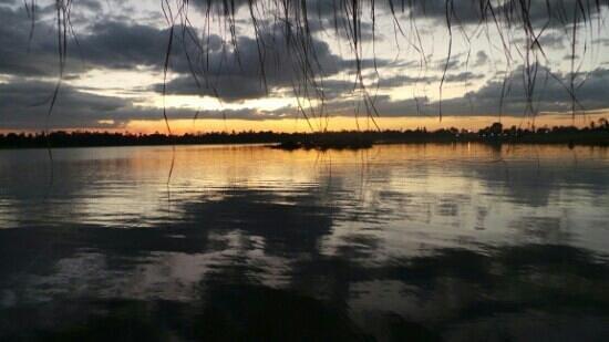 Sirindhorn, Tailandia: sunset...very beutiful place