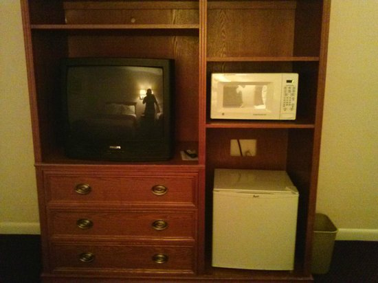Fairway Inn Florida City: mini refrigerator and microwave in each room