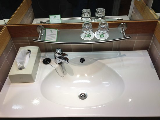 Holiday Inn Turku : The clogged sink
