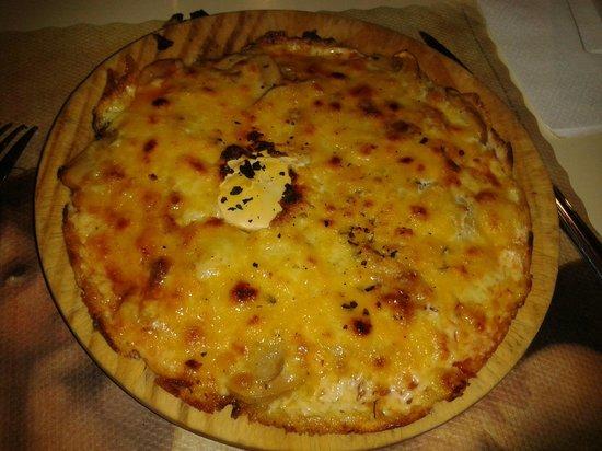 Paparachi : pizza papareschi (con huevo)