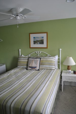 Beach Breeze Inn: Room 4