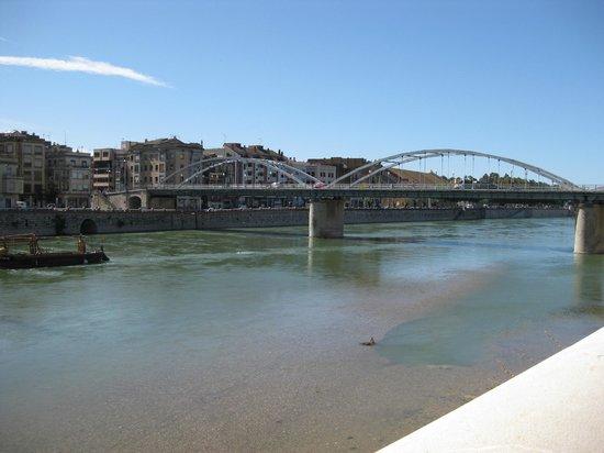 Hotel SB Corona Tortosa: River Ebro in Tortosa, 5 minutes walk from the hotel