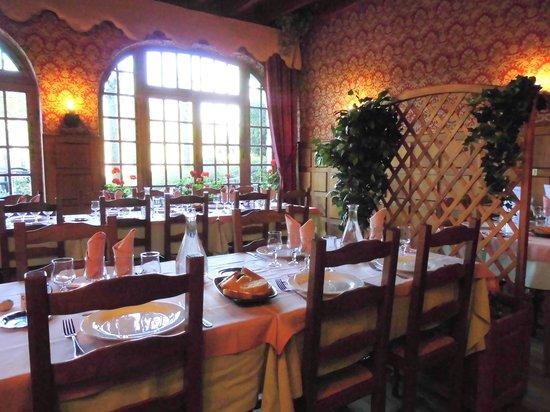 Le Relais de l'Aubrac: salle restaurant