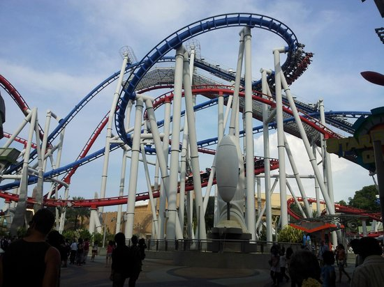 Blue and Red Rides - Picture of Universal Studios ...