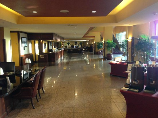 Monterey Marriott: Lobby