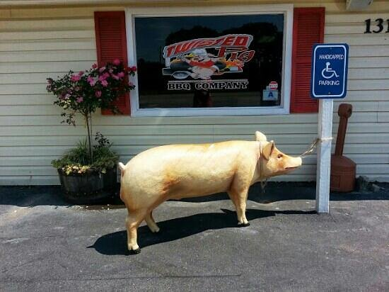 Twisted Pig BBQ Company: Pig parking.
