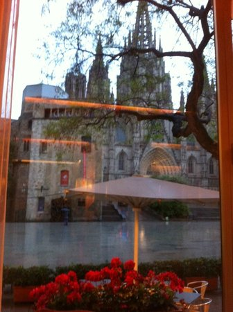 Regencia Colon Hotel: Cathedral restaurant in the main building, with a view