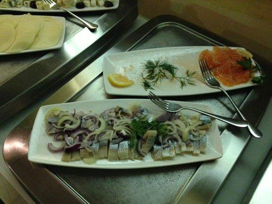 Merchant's House Hotel: prima colazione.....anche pesce affumicato..perchè no....