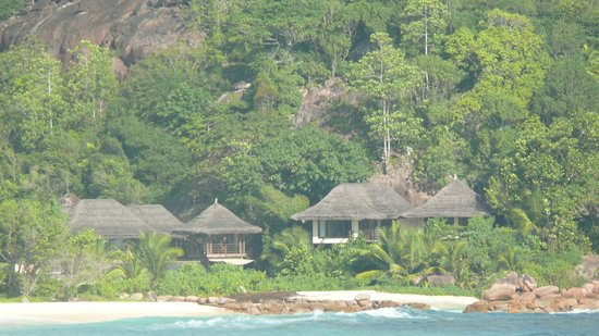 Constance Lemuria: Villas and beach view