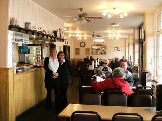 Carousel Licensed Diner: Owner Alison, and staff have a warm welcome for everyone at the Carousel. 5 star restaurant
