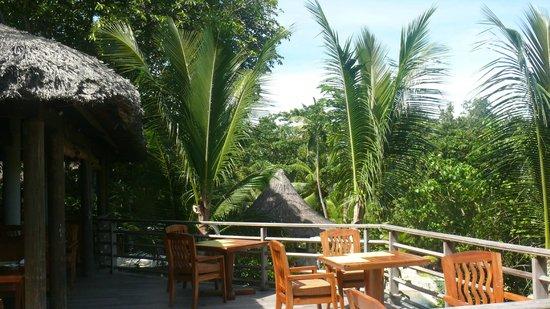 Constance Lemuria: Main Restaurant view