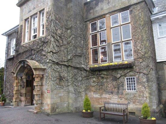 Dalmeny Park Country House Hotel: front entrance