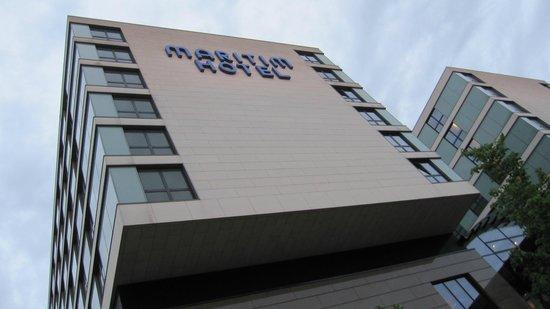 Maritim Hotel Duesseldorf : Façade coté Aeroport