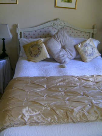 Gortnadiha Lodge: Our bed
