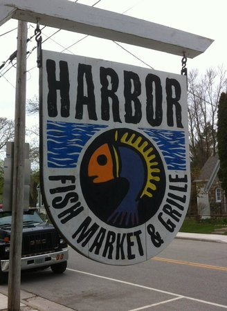 Harbor Fish Market and Grille: Harbor Fish Market and Grill... good times!
