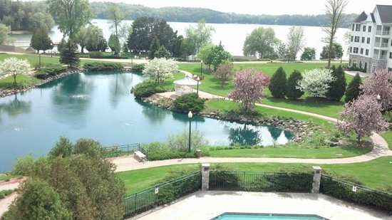 The Osthoff Resort: Lakeview room view of pond and Elkhart Lake