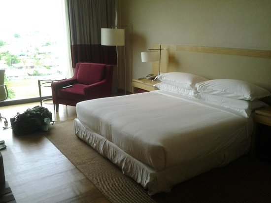 Century Kuching Hotel: How enormous the room size was