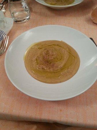 La Tavernetta da Elio: A thick Tuscan Chickpea Soup