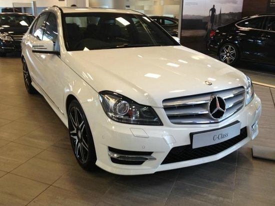 Wow picture of mercedes benz world at brooklands for Mercedes benz brooklands