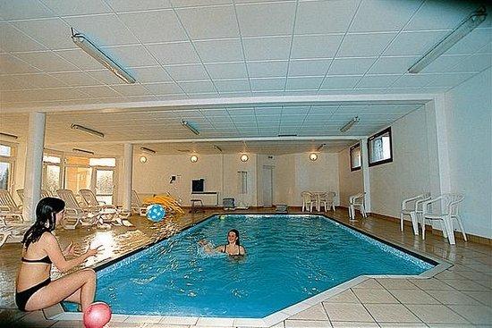 VVF Villages Prémanon : piscine