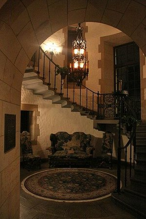 Graylyn Estate: Main stair's lobby with 16th century furniture