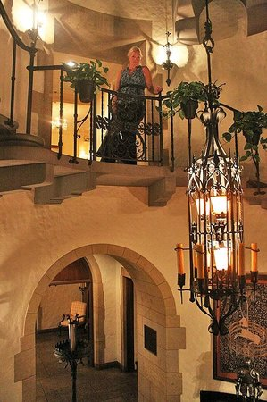 Graylyn Estate : Ascending the main stairs in the evening