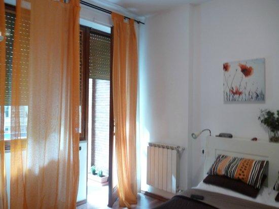 B&B Trastevere Rooms : attractive, spotless room