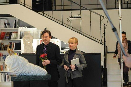 Filming in Mironova Gallery