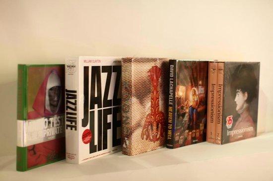 Mironova Gallery: art books are perfect art presents