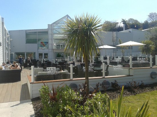 Kiln Park Holiday Centre - Haven: Park pub garden terrace and decking