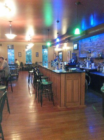 Atlas Brick Oven Pizzeria: Upstairs at the full bar