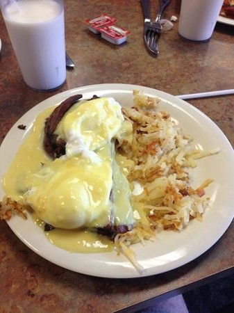 d'egg diner : Briaket Benedict
