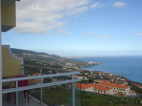 Hotel Apartments Baia Brava : view of Funchal bay