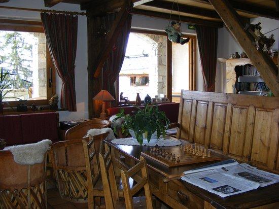 Hôtel & Spa Le Mérilys : Inside Launge