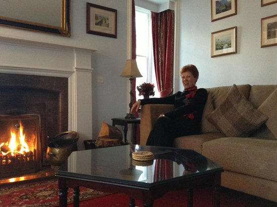 Kintail Lodge: comfortable sitting room to relax by the fire