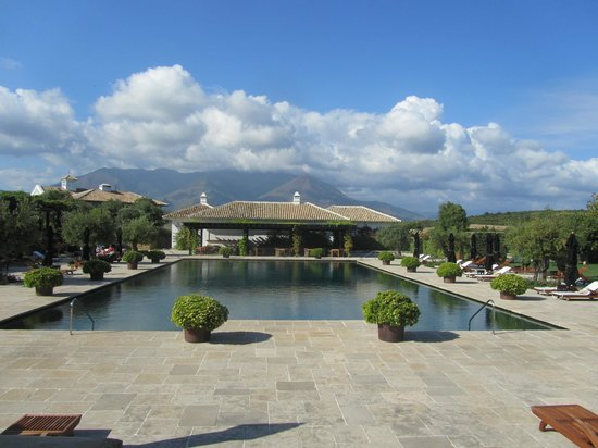 Finca Cortesin Hotel Golf & Spa: The main family pool