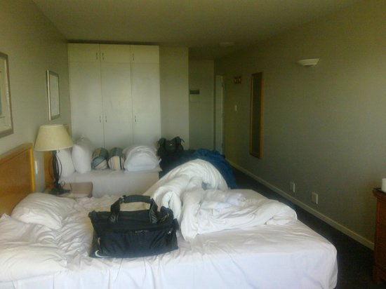 Protea Hotel by Marriott Karridene Beach: The room althought I took this pic when I was leaving