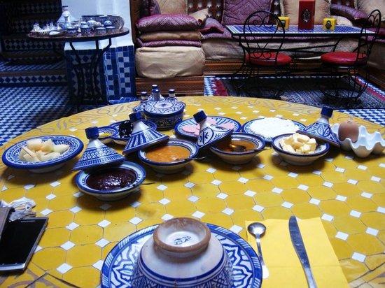Riyad Al Atik : Breakfast: before serving of bread