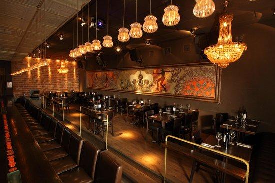 Sleek Bar&restaurant