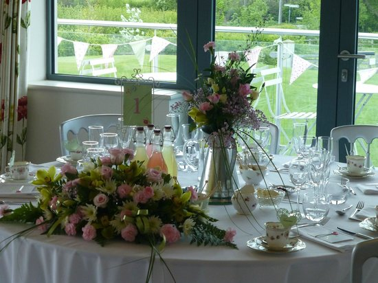 Manor Hill House: Top Table