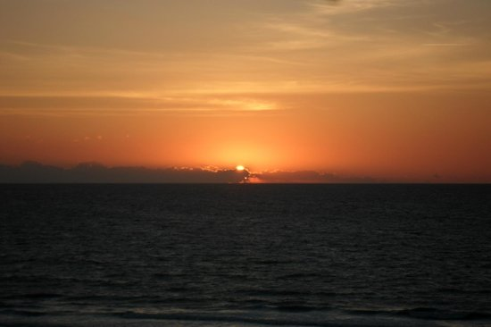 The Resort on Cocoa Beach: Sunrise from Room 711