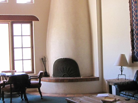 Tanque Verde Ranch: inside the room its spacious and beautiful