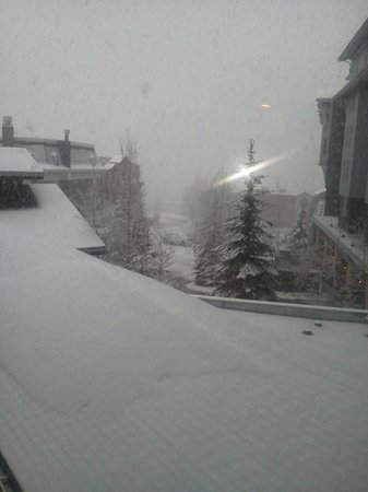 Marriott's MountainSide: 17 inches of snow falling one night